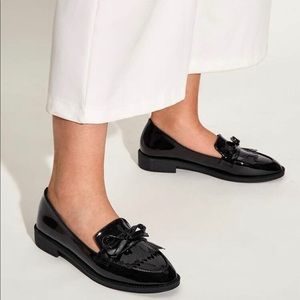 NWOT Patent Bow flat loafers